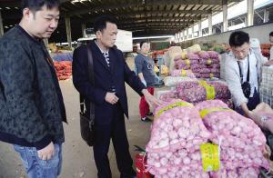 天津蒜价同比涨1倍