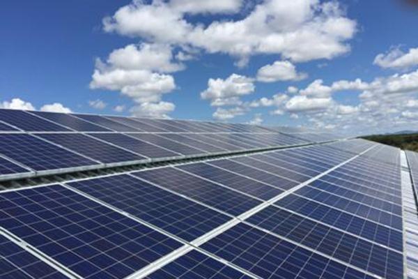 保定英利分布式能源股份有限公司:英利因能家用商用光伏电站引领绿色能源发展新方式