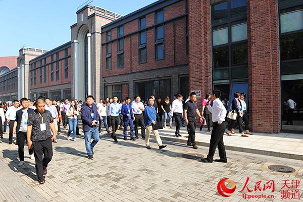 天津市河东区以巨大营商青年吸引环境企业家落视频胸良好图片