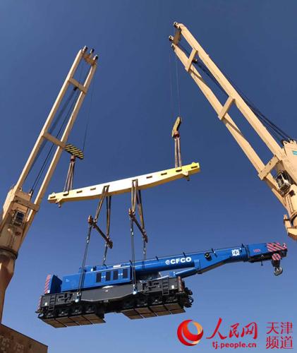 助力 一带一路 中国重铁伸缩式铁路起重机首次出口海外